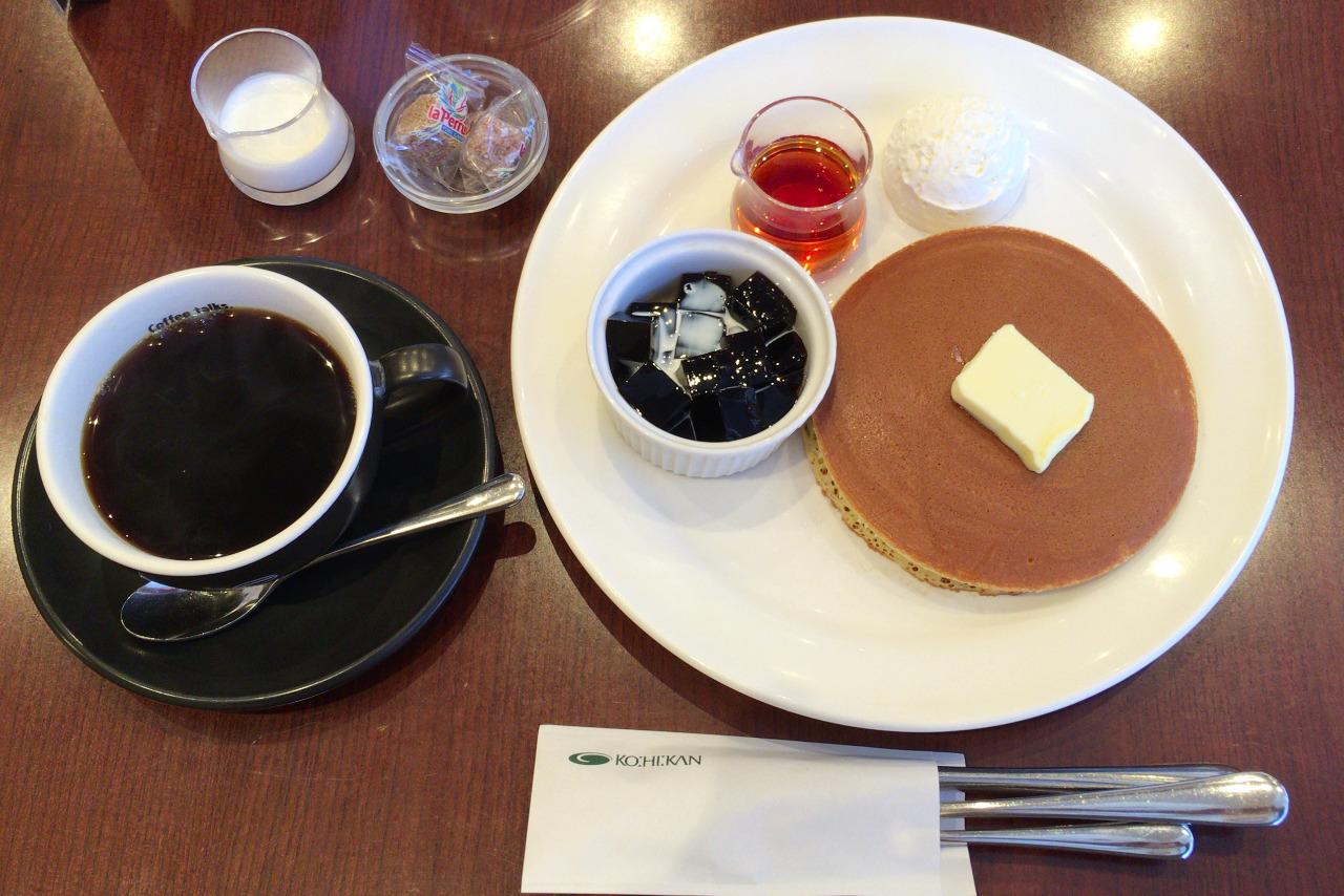 イオンモール八千代緑が丘の珈琲館でモーニング 炭火珈琲&トラディショナルホットケーキが素朴な美味しさ