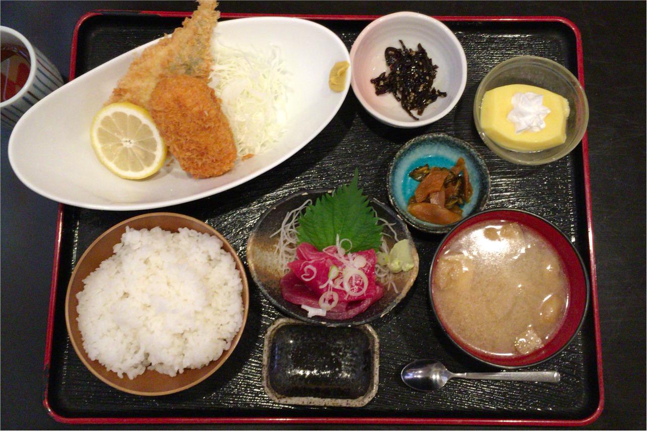 千葉市中央区の長咲やは混雑必至の人気定食屋!ボリューミーな日替わり定食はフライ&刺身の豪華盛り