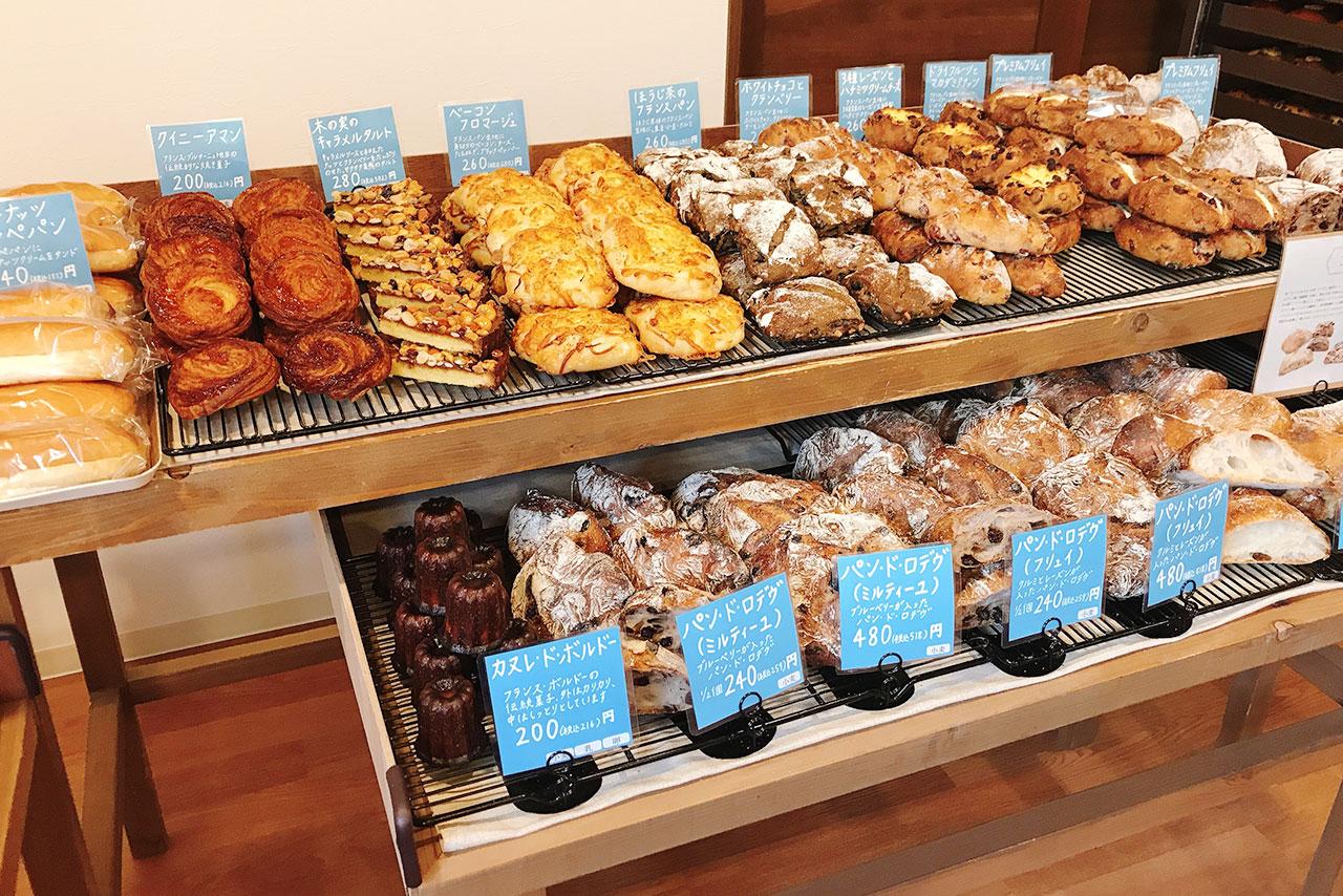 四街道めいわに小鳥パンが新オープン!品揃えが豊富すぎて選べないほどたくさんのパンが並ぶ可愛らしいベーカリー